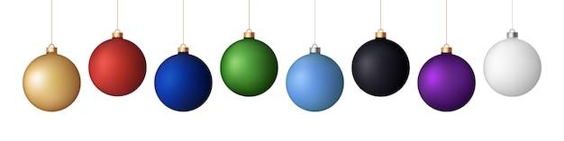 Realistyczne świąteczne kulki matowe.