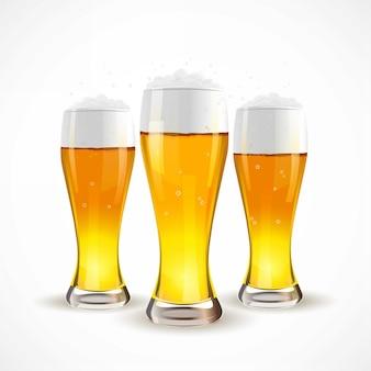 Realistyczne szklankę piwa na białym tle. ilustracji wektorowych