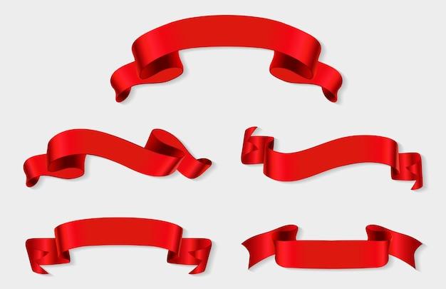 Realistyczne transparenty z czerwoną wstążką