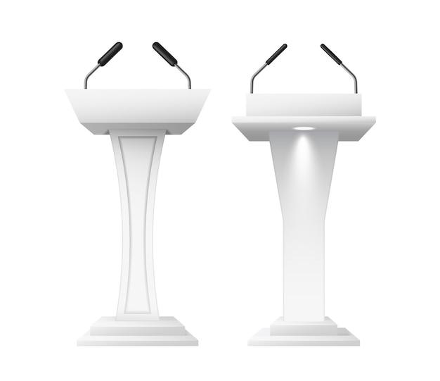 Realistyczne trybuny mowy z mikrofonami. podium debaty, 3d makiety prezentacji publicznej na białym tle. zestaw platformy głośnikowej. ilustracja wektorowa