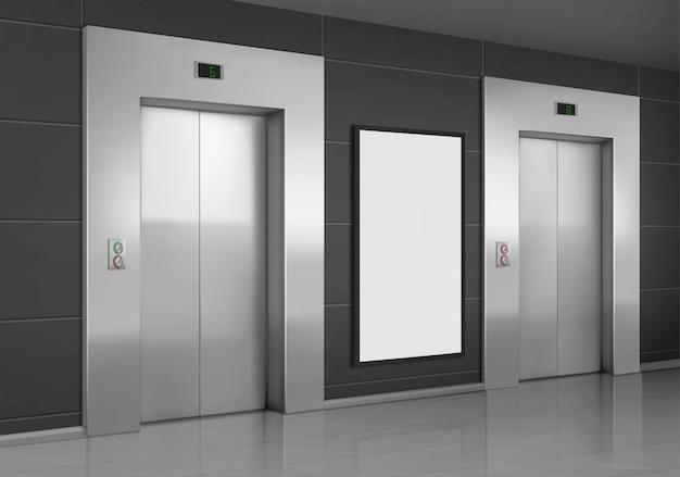 Realistyczne windy z zamkniętymi drzwiami i plakatem reklamowym