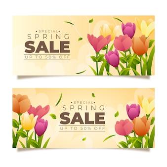 Realistyczne wiosenne banery sprzedaż