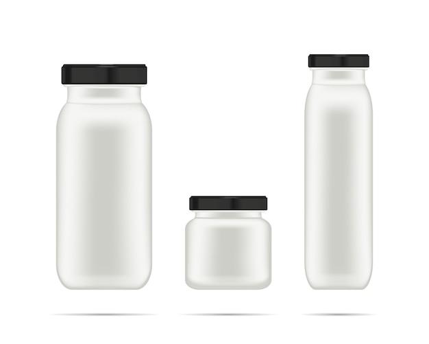 Realistyczny biały kremowy pojemnik na szampon, balsam i krem.