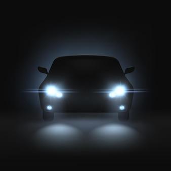 Realistyczny samochód z jasnymi reflektorami w ciemności