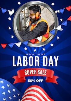 Realistyczny szablon plakatu pionowej sprzedaży święto pracy ze zdjęciem