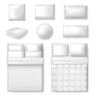 Realistyczny szablon pościeli. białe puste łóżko, koc i poduszki, szablon komfortowej pościeli tekstylnej, zestaw ilustracji do sypialni. poduszka do spania do sypialni, pościel na poduszkę