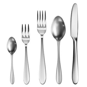 Realistyczny zestaw sztućców z nożem stołowym, łyżką, widelcem, łyżką do herbaty i łyżką do ryb.