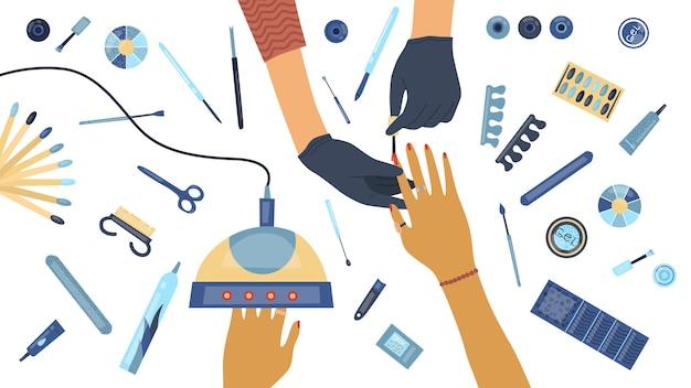 Ręce manikiurzystki wykonującej manicure i jej klientka w otoczeniu narzędzi i kosmetyków do pielęgnacji paznokci, widok z góry. salon piękności. ilustracja wektorowa kolorowe w stylu cartoon płaski.