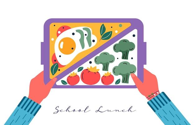 Ręce trzymające śniadanie lub obiad. żywność, napoje dla dzieci szkolne pudełka na lunch z jajkiem, mączką, pomidorem, kanapką, sokiem, przekąskami, owocami, warzywami. wektor modny.