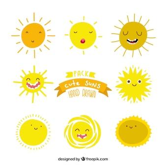 Ręcznie narysować słońca cute pakiet