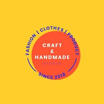 Ręcznie robione logo odznaka projekt