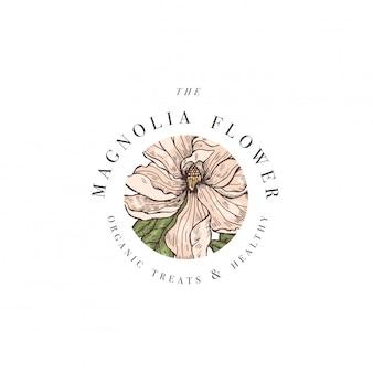Ręcznie rysować ilustracja logo kwiaty magnolii. wieniec kwiatowy. botaniczny kwiatowy emblemat z typografią na białym tle.