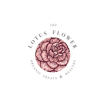 Ręcznie rysować ilustrację logo kwiaty kamelii. wieniec kwiatowy. botaniczny kwiatowy emblemat z typografią na białym tle.