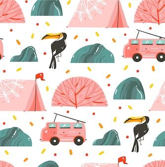 Ręcznie rysowane abstrakcyjne kreskówki czas letni graficzny kolekcja bez szwu wzór z namiotu, autobusu kempingowego i tukana na białym tle.