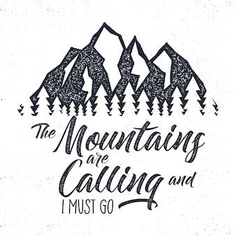 Ręcznie rysowane etykieta górskiej przygody. ilustracja dzwoniącej góry.