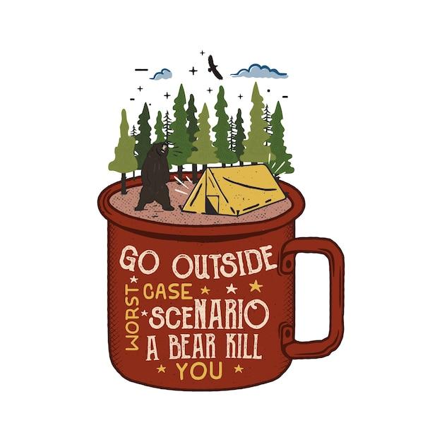 Ręcznie rysowane logo przygody z kubkiem, namiotem kempingowym, lasem sosnowym.