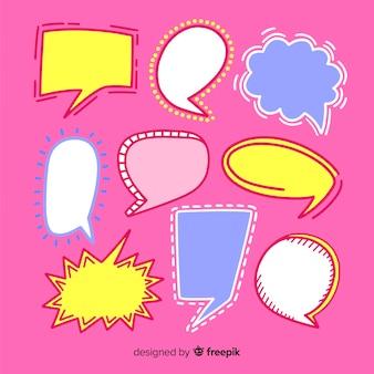 Ręcznie rysowane mowy bańka kolekcja na różowym tle