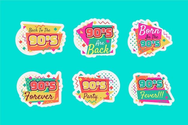 Ręcznie rysowane płaskie, nostalgiczne odznaki z lat 90.