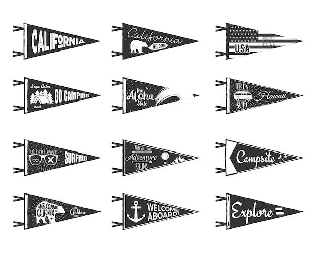 Ręcznie rysowane proporczyki przygody i flagi. vintage etykiety w stylu rustykalnym na białym tle. monochromatyczne grunge i zgrywanie odznaki.