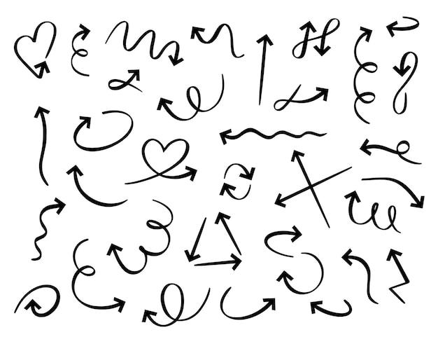 Ręcznie rysowane strzałki. doodle ręcznie robione elementy zakrzywione strzałki. wskaźnik kierunku konspektu na białym tle.