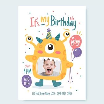 Ręcznie rysowane szablon zaproszenia urodzinowego potwora ze zdjęciem