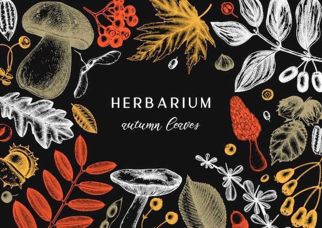 Ręcznie zarysowane jesienne liście tło w kolorze. elegancki szablon botaniczny z jesiennych liści, jagód, nasion, szkiców grzybów. idealne na zaproszenia, kartki, ulotki, menu, etykiety, opakowania.