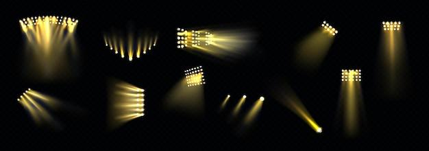 Reflektory sceniczne ustawiają projektory świetlne