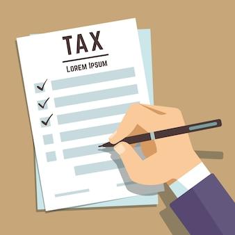 Ręka człowieka pisania na formularzu podatkowym