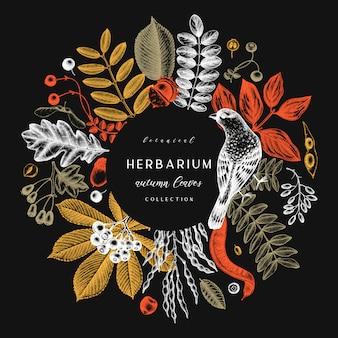 Ręka naszkicował jesienne liście na tablicy. elegancki i modny szablon botaniczny z jesiennymi liśćmi, jagodami, nasionami i szkicami ptaków. idealne na zaproszenia, kartki, ulotki, etykiety, opakowania.