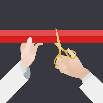 Ręka ze złotymi nożyczkami wyciąć czerwoną wstążką na czarnym tle