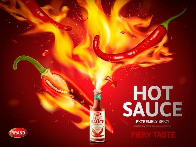 Reklama ostrego sosu z czerwoną papryczką chili i ogromnymi płomieniami wyskakuje z butelki na czerwonym tle