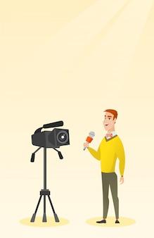 Reporter telewizyjny z mikrofonem i kamerą.