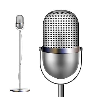 Retro chromowany mikrofon ze stojakiem