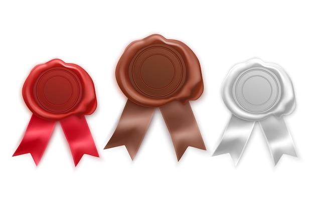 Retro i stare pieczęcie woskowe w kolorach czerwonym, brązowym i białym. zestaw znaczków na białym tle
