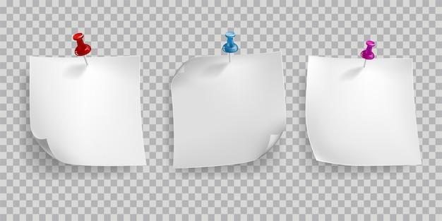 Retro realistyczne ramki z papieru i pin na przezroczystym tle