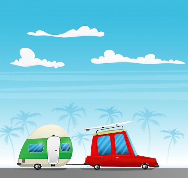 Retro samochód z deską surfingową na dachu i białą przyczepą. koncepcja biwakowania i podróży