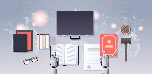 Robot prawnik lub sędzia czytanie książki prawa humanoidalnego