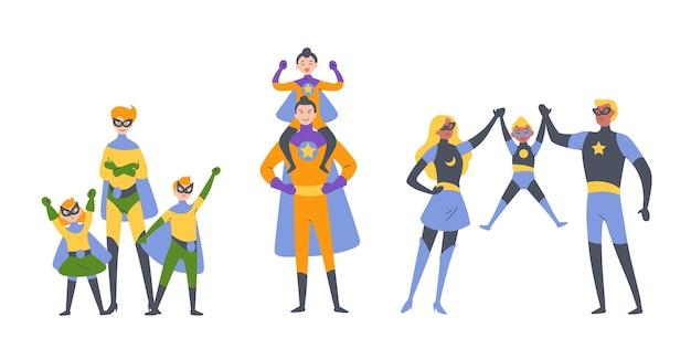 Rodzice i dzieci, chłopiec i dziewczynka grający w superbohaterów, ubrani w kostiumy superbohaterów.