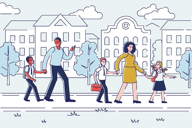 Rodzice odprowadzają dzieci do szkoły przez liniowy budynek miejski. matka, ojciec i dzieci w wieku szkolnym trzymając się za rękę z tornistrami