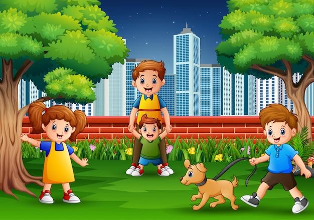 Rodzina kreskówki zabawy w parku miejskim