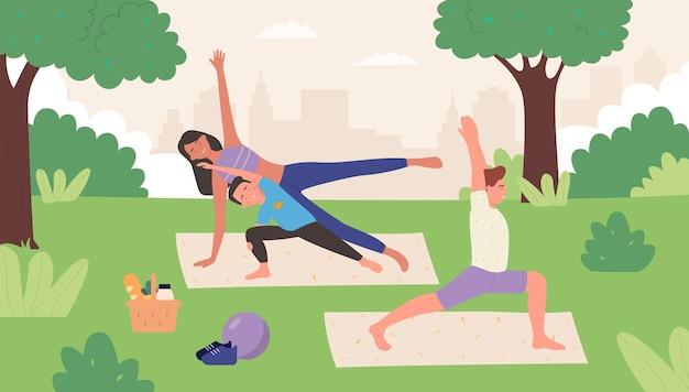 Rodzinna joga w letnim parku na zewnątrz ilustracja. szczęśliwi ludzie z rodziny robią razem asanę, ojciec matka dziecko praktykuje jogi, medytuje razem. tło zdrowego życia