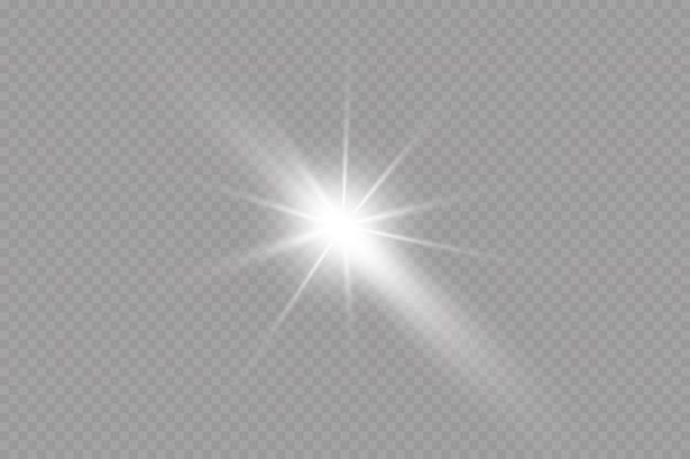 Rozbłysk jasne słońce świecące promienie słońca gwiazdy na przezroczystym tle