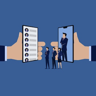 Rozmowa z zespołem biznesowym wznawia aplikację online.