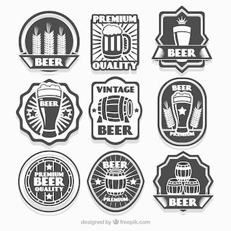 Różne etykiety rocznika piwa