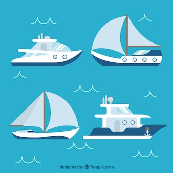 Różne płaskie łodzie z niebieskimi elementami