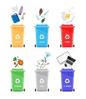 Różne śmieci w kolorowe urny na białym tle. pojemniki do recyklingu z sortowanymi śmieciami.