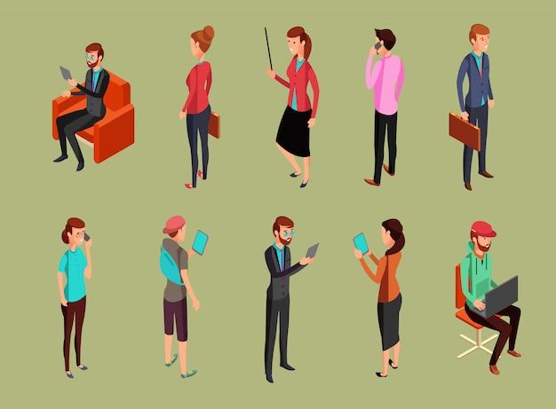 Różni ludzie w biurze siedzący i stojący, korzystający z gadżetów. izometryczne ilustracji wektorowych kobieta i mężczyzna. ludzie kobiet i mężczyzn siedzących i stojących