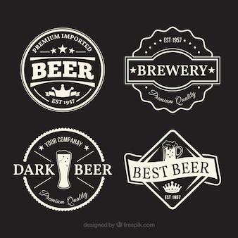 Różnorodność fantastycznych etykiet piwa