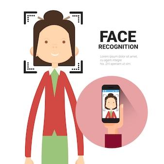 Rozpoznawanie twarzy ręka trzymająca inteligentny telefon skanowanie kobieta nowoczesna koncepcja systemu identyfikacji biometrycznej