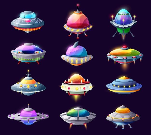 Rysunkowe statki kosmiczne ufo i statki kosmiczne, spodki wektorowe, rakiety galaktyki, dziwaczne wahadłowce. elementy graficzne gry komputerowej, kosmiczne śmieszne statki kosmiczne z izolowanym zestawem świecących świateł